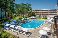 - .Hotel Riva